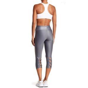 🤸♀️Bebe Sport Lattice Gray LaceUp Capri Leggings